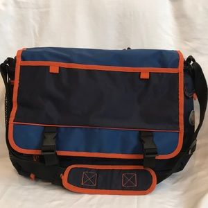 GAP Kids MESSENGER BACKPACK- EUC-adj crossbody